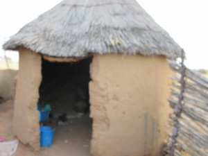 The hut where Nandir and her three grandchildren live